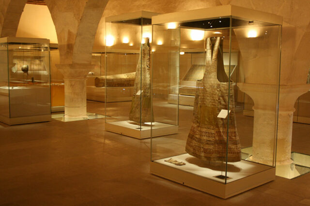 Interior of El Museo, with the display of the funeral gown's two outer layers.